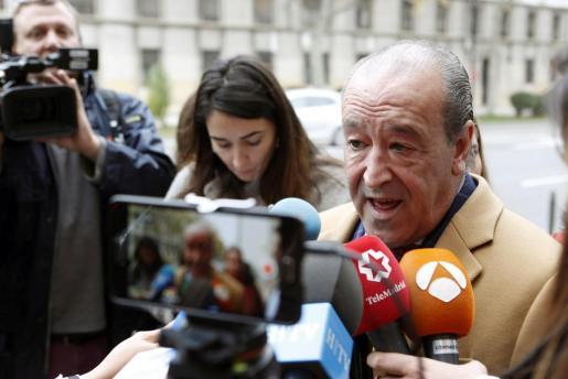 El letrado zaragozano Javier Notivoli, abogado del empresario César Román.