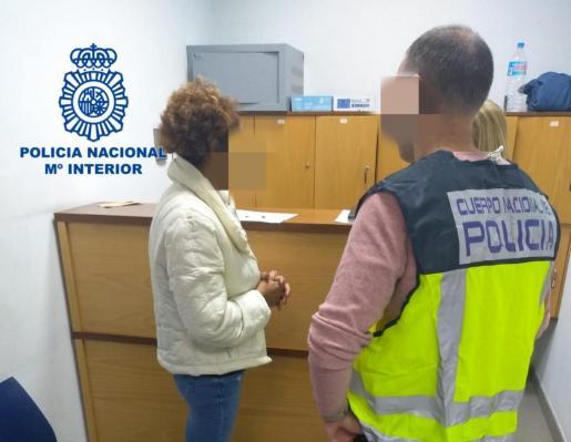 La mujer fue detenida este lunes por la Policía Nacional cuando regresaba de un viaje a la República Dominicana.