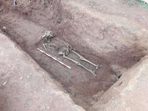 Esqueleto encontrado en el Cementiri Vell de Vila