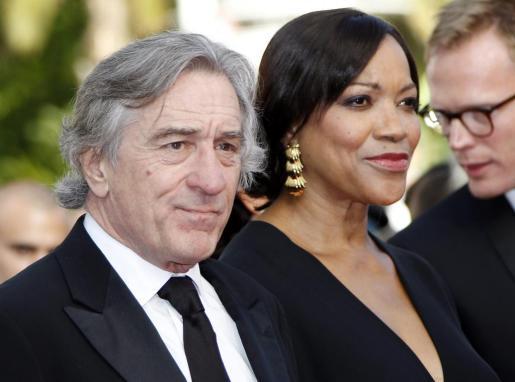 El actor estadounidense Robert De Niro y la que era su esposa Grace Hightower en el estreno de 'Madagascar 3' el 18 de mayo de 2012.