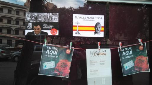La sede de Manacor ha aparecido con consignas contrarias a la exhumación de Franco del Valle de los Caídos.