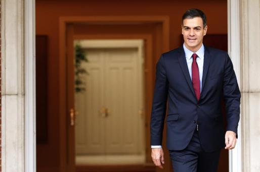 El presidente del Gobierno, Pedro Sánchez,en el Palacio de La Moncloa poco antes de la reunión que mantuvo hoy con el presidente de la Comunidad de Madrid, Ángel Garrido.