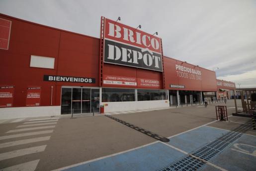 Fachada de la tienda Brico Depôt en Palma.