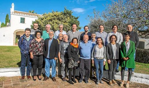 Foto de grupo de los participantes en las jornadas.