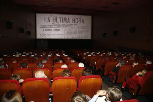 El documental se estrenó el pasado 1 de mayo en la sala Augusta de Palma, ante una amplia representación de la sociedad mallorquina, que fue partícipe del arduo trabajo de investigación en hemeroteca y archivos históricos, y del destacado resultado divulgativo.