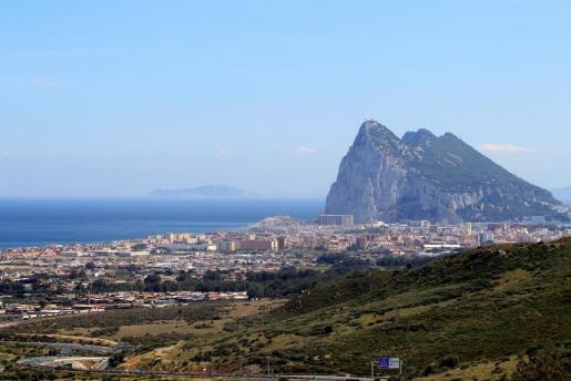 Imagen panorámica de Gibraltar, punto de discordia para el acuerdo sobre el Brexit.