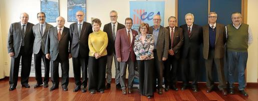 La comisión de expertos que está elaborando el estudio 'CES H2030', ayer, en la Escola d'Hoteleria, en la UIB.