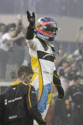 Fernando Alonso al final de la carrera de Abu Dhabi.