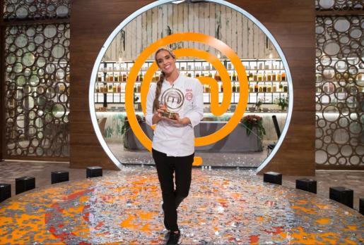 Carbonell batió a la actriz Paz Vega en la prueba final, con Ferran Adrià como catador invitado y un menú inspirado en el agua.
