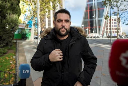 Mateo ha realizado declaraciones a los medios a su llegada al Juzgado de Instrucción número 47 de Madrid donde está citado como investigado por un delito de ofensas o ultraje a símbolos de España con publicidad y un delito de odio tras una denuncia de Alternativa Sindical de Policía.