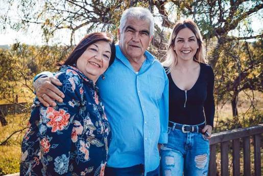 Joan Tur con su mujer Maribel Torres y una de sus hijas Anna Tur.