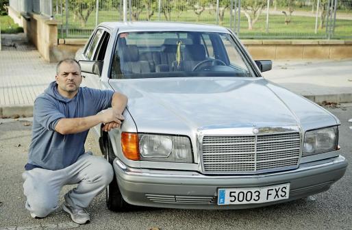 Pep Tur compró hace un año este Mercedes 260 SE de 1988 porque le gustan los coches grandes
