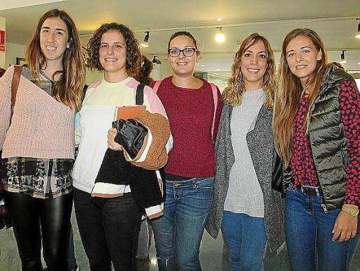Clara Balaguer, María José Hoyo, María José Domínguez, Cristina Cañellas y Graci Mir, pedagogas.