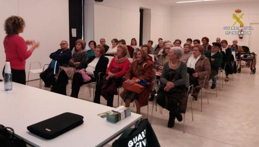 Momento de la charla impartida en Inca.