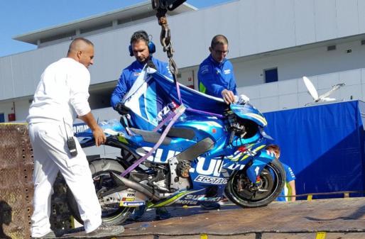 Imagen del estado en el que quedó la moto de Joan Mir tras el accidente.