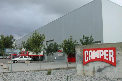 La empresa, fundada en 1877 por el mallorquín Antonio Fluxá, da empleo a más de mil personas y tiene tiendas en más de 40 países.