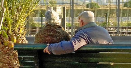 Las personas mayores han sido el principal apoyo económico de muchas familias durante la crisis.