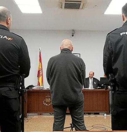 El acusado, en un juzgado de Vía Alemania.