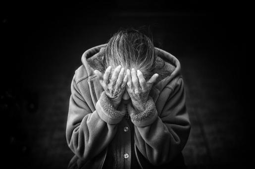 Una mujer de 99 años ha sido desahuciada de su casa de Pozuelo de Alarcón después de que su nieto vendiera, según la mujer, su casa «sin su consentimiento».