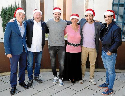 Joan Sastre, Marc Fosh, Santi Taura, Saloua Sfar, Bernabé Caravotta y Andreu Genestra durante la presentación del evento solidario.