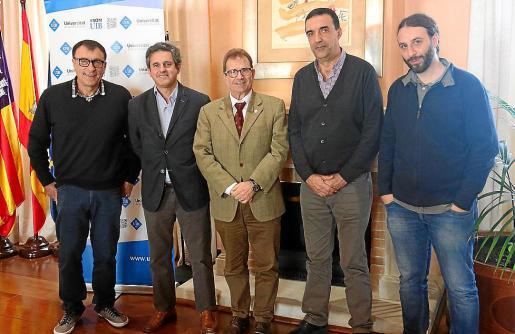 Miquel Pastor, Pedro Rullan, Llorenç Huguet, Jaume Servera y Antoni Quetglas, este lunes en la UIB.