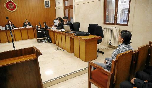 El acusado, en el juicio que tuvo lugar en la Audiencia de Palma.
