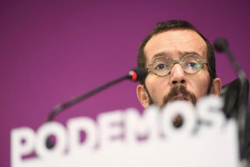 El secretario general de Podemos en Aragón y secretario de Organización de Podemos en España Pablo Echenique, durante la rueda de prensa de Podemos tras el Consejo Ciudadano, este martes en Madrid.