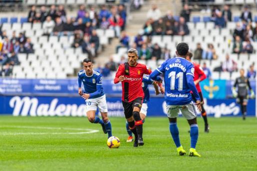 Salva Sevilla, durante el partido disputado por el Mallorca en Oviedo.