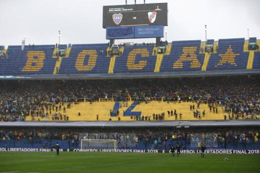 Imagen del estadio de Boca Juniors durante el partido de ida de la final de la Copa Libertadores.