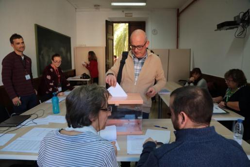Imagen de las votaciones de las elecciones sindicales de los docentes de Baleares.