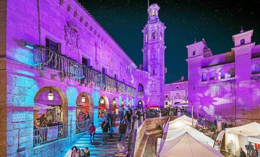 El mercado de Navidad del Pueblo Español de Palma tiene un amplio horario, de 12:00 a 22.30 horas, del 5 al 9 de diciembre.