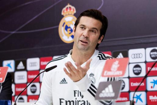 El técnico del Real Madrid, Santiago Solari, durante la rueda de prensa posterior al entrenamiento del equipo, este miércoles en Valdebebas, de cara al partido de vuelta de dieciseisavos de final de la Copa del Rey que disputan frente al UD Melilla en el estadio Santiago Bernabéu.