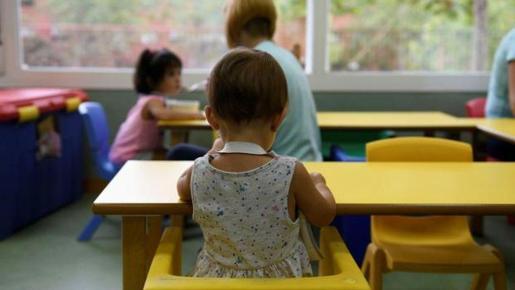Imagen de archivo de niñas en un aula en China.