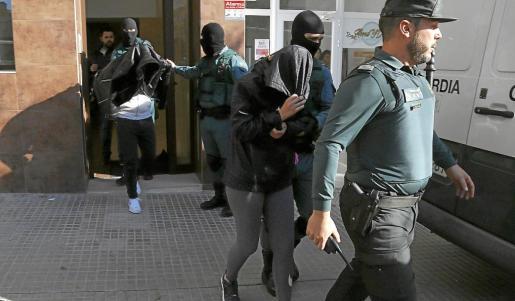 Dos de los detenidos residían en la calle Pascual Ribot, 50, de Palma.
