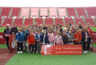 Alumnes del CEIP Ses Roques de Caimari varen visitar RCD Mallorca i Grup Serra