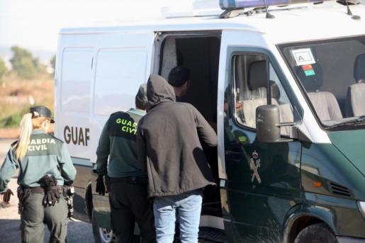 Pasan a disposición judicial 28 inmigrantes detenidos tras llegar en pateras a Ibiza.