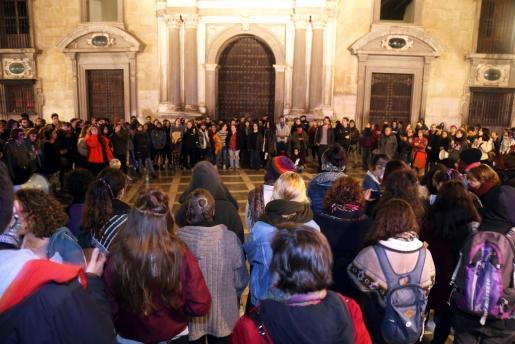 Concentración para protestar por la sentencia de la Manada, el pasado miércoles frente al Tribunal Superior de Justicia de Andalucia en Granada.