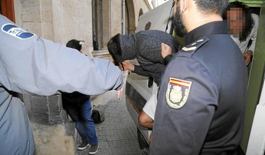 Juan L. F., de 20 años, el presunto autor del acto de violencia machista que provocó el accidente pasó a disposición judicial en Palma.