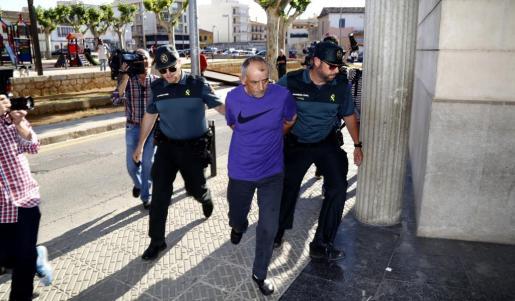 Ioan Ciotan, en una imagen del pasado tras ser detenido.