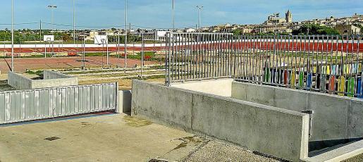 Las instalaciones deportivas, como el polideportivo, han experimentado grandes mejoras.