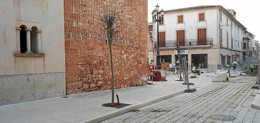 El centro del pueblo está siendo objeto de un ambicioso proyecto de embellecimiento.