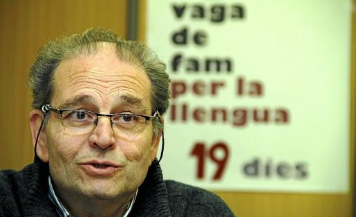 En 2012, Jaume Bonet hizo una huelga de hambre contra la política lingüística de Bauzá en la enseñanza.