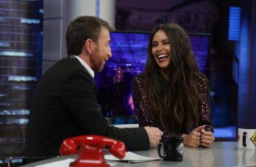 El argumento del vestido que lucirá la presentadora en las campanadas de Fin de Año centró la entrevista que le hizo Pablo Motos en 'El Hormiguero'.