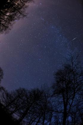 La lluvia de estrellas de las gemínidas, junto a las perseidas, es uno de los espectáculos astronómicos más especiales del año.