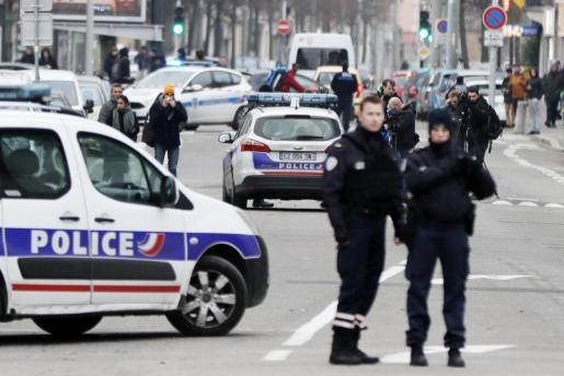 Imagen del acordonamiento de la zona donde se perdió la pista al terrorista.