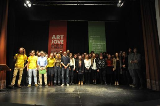Los galardonados con el premio Art Jove.