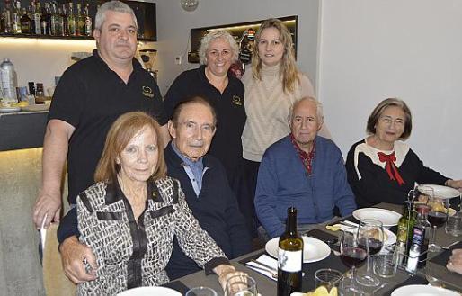 Antònia Barceló, Toni Ferrer, Catalina Esteva, Mari Bordoy, José Pascual, Margalida Jaume y Cosme Bou.