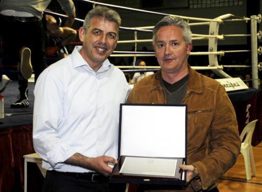 Manuel Sánchez, presidente de la Federación Balear de Boxeo, a la izquierda de la imagen.