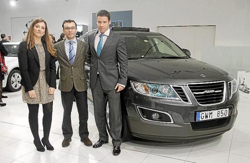 Irene Carrera (Saab España), Francesc Crespí (gerente de Iceasa Motor) y Manuel Alcázar (director general Saab España).