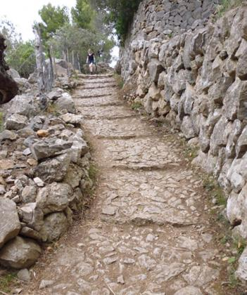Camí de Son Coll que forma parte de la Ruta de Pedra en Sec.
